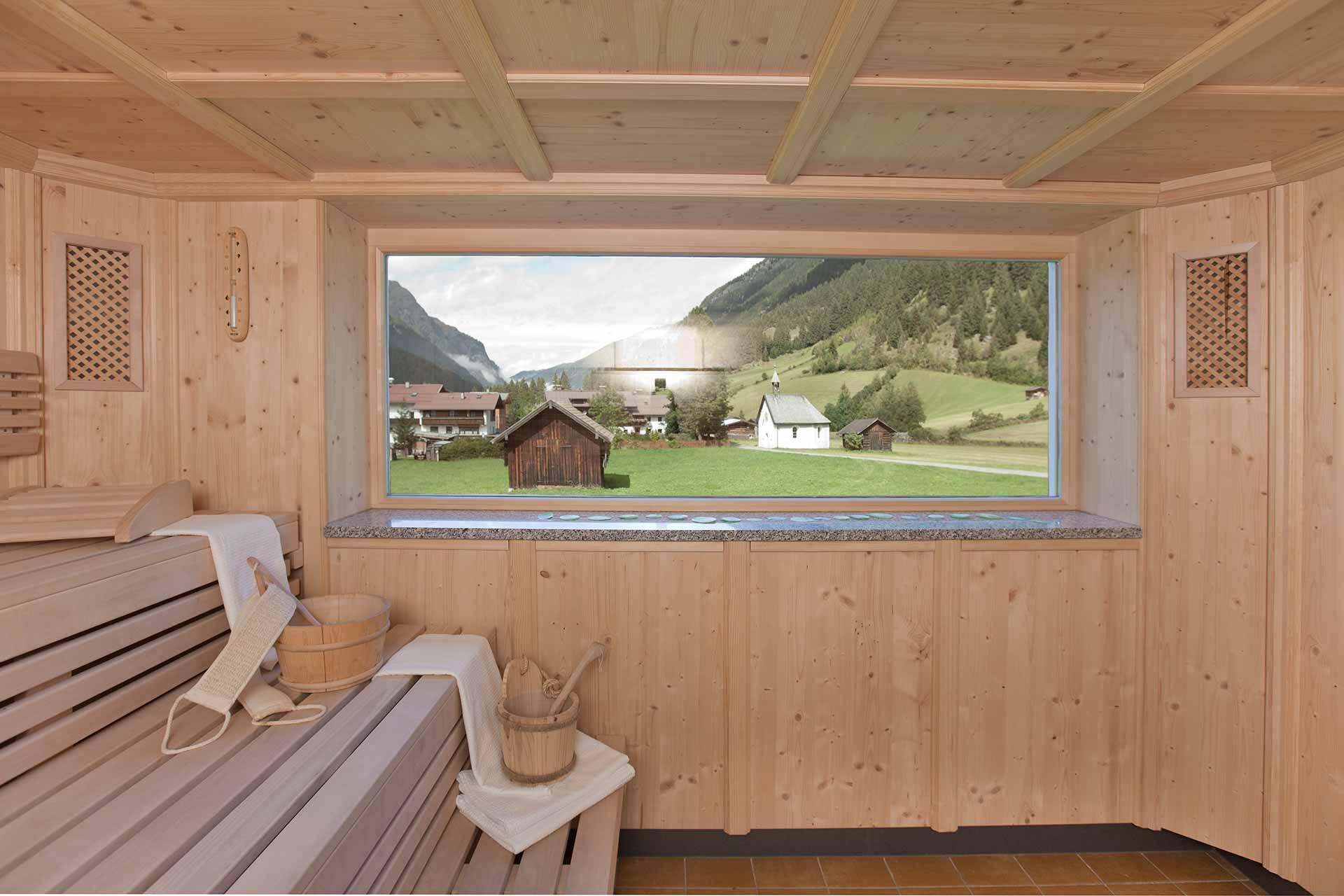 Sauna mit Blick ins Dorf