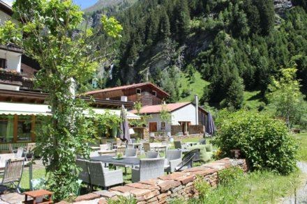Garten-und-Terrasse im Biohotel-Stillebach