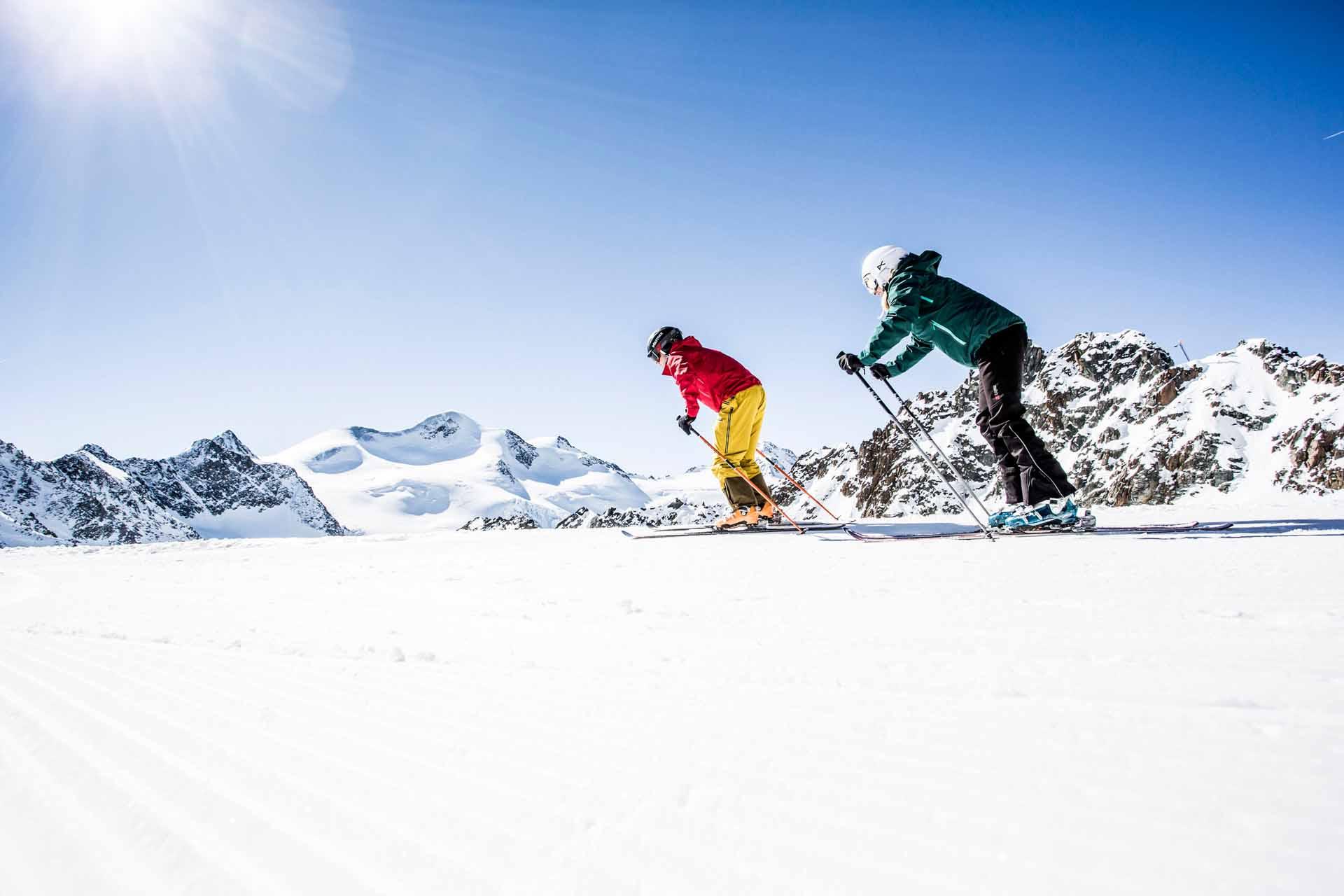 Gletscherstart Zwei Skifahrer