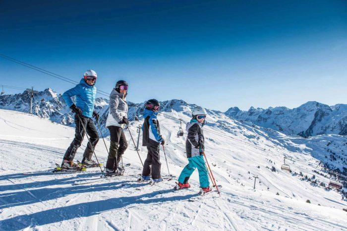 Skifahren Familie Hochzeiger