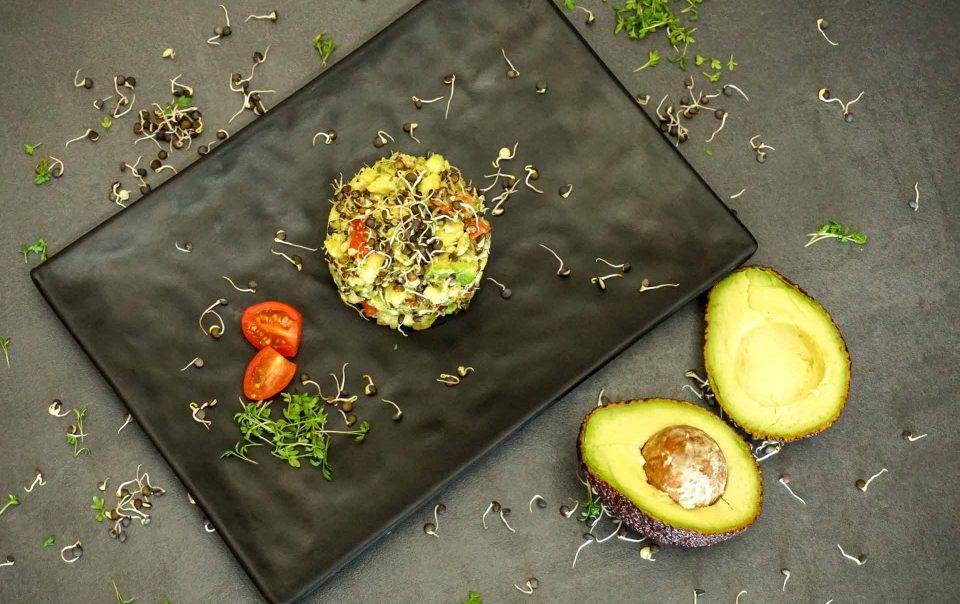 Rezept Tatar-von-gekeimten-Belugalinsen-und-Avocado@basenfasten-nach-Wacker